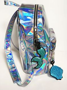 Holographic Mermaid Backpack Back To School Leather Backpack Festival Bag Metallic Holograph Grunge Backpack Travel Backpack Girls Fashion Clothes, Kids Outfits Girls, Girls Bags, Cute Mini Backpacks, Stylish Backpacks, Mochila Grunge, Grunge Backpack, Holographic Fashion, Unicorn Fashion