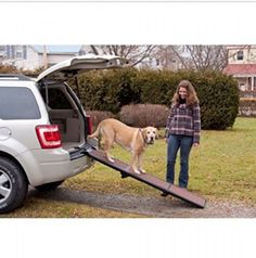Pet Gear TriFold Ramp 71 inch Slip-resistant surface provides sure footing ,Pet Ramp supports 200LBS,Chocolate, Full Length Measures 71 x 16 x 4-inches