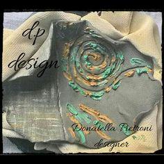 Piatto ovale crudo con prove colore di terre naturali - d.p. design di Donatella Pietroni designer