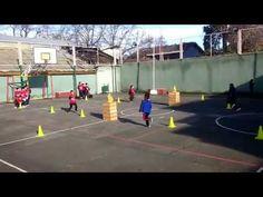 Los juegos desde el punto de vista del Área de Educación Física son actividades espontáneas y divertidas, que ayudan a los alumnos a socializarse , respetar ...