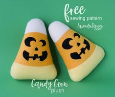 Free sewing patterns are always great, but Candy Corn is also fun and easy to sew, and making just one will not be enough :) Halloween Craft Activities, Spooky Halloween Crafts, Halloween Sewing, Easy Craft Projects, Sewing Projects For Beginners, Easy Diy Crafts, Sewing Tutorials, Sewing Ideas, Fun Crafts