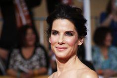 """Sandra Bullock élue """"plus belle femme du monde"""""""