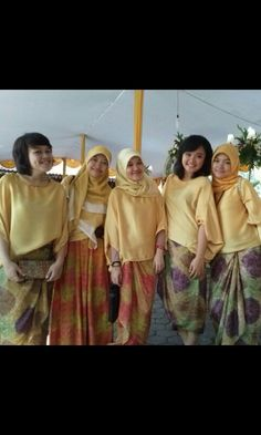#Wedding #dress #friendship #gold #batik