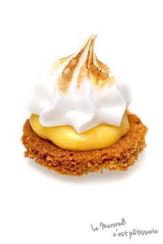 Sablés meringués au coeur de citron Meringue, Eggs, Breakfast, Blog, Spritz Cookies, Pastry Recipe, Pie, Pastries, Sugar Cravings