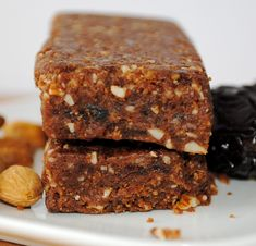 Recipe for Gluten Free, Egg-Free, Dairy-Free Chocolate Peanut Power Bars Chocolate Protein Bars, Dairy Free Chocolate, Peanut Bar, Peanut Butter, Vegan Granola, Granola Bars, Power Bars, Energy Bars, Healthy Sweets
