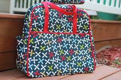 another site for tips on making the Amy Butler Weekender bag