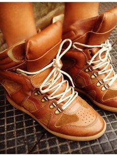 Isabel marrant snearker's addict