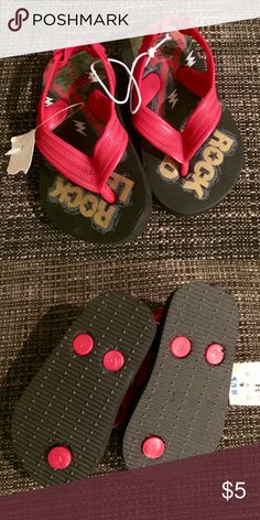 Baby/Toddler Red and Black Flip Flop Sandals Baby/Toddler Red and Black Flip Flop Sandals Size 3/4 New With Tags Smoke Free Home Shoes Sandals & Flip Flops