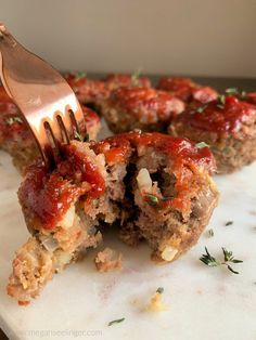 The Best Keto Meatloaf Minis with Low Carb Ketchup — Megan Seelinger Women's Weight loss & Nutrition Coaching - Low carb - Meatloaf Recipes - The Best Keto Meatloaf Minis with Low Carb Ketchup — Megan Seelinger Women's Weight loss & Nutr - Low Carb Meatloaf, Meatloaf Recipes, Healthy Dinner Recipes, Low Carb Recipes, Healthy Meals, Low Carb Ketchup, Meatloaf Muffins, Paleo, Avocado Salat