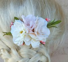 Check out this item in my Etsy shop https://www.etsy.com/listing/506169219/floral-hair-clip-light-ivory-light-peach