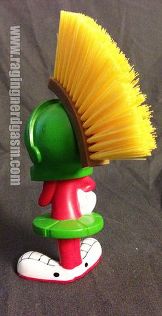 Looney Tunes Marvin the Martian Brush  (2)