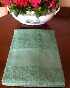 coppie di spugna con tela aida a 6,00€ in verde salvia