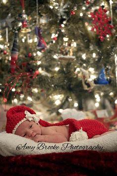 Newborn baby girl Christmas. Totally doing this!