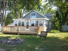 Twin Lakes Cottage, Private Beach