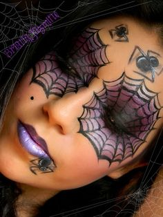 Halloween make up Purple & Black Smokey Spider Web Eyes Yeux Halloween, Maske Halloween, Halloween Karneval, Halloween Make Up, Halloween Costumes, Halloween Face Makeup, Halloween Spider, Halloween Ideas, Women Halloween