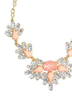 Pink Statement Necklace - uoionline.com: Women's Clothing Boutique