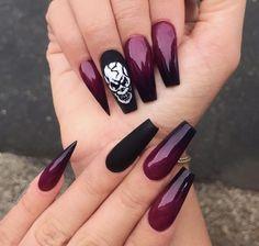 Pin by Lisa Firle on Nageldesign - Nail Art - Nagellack - Nail Polish - Nailart - Nails in 2020 Goth Nails, Skull Nails, Sexy Nails, Trendy Nails, Goth Nail Art, Skull Nail Art, Stiletto Nails, Coffin Nails, Ongles Gel Halloween