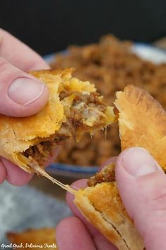 Cheesy Ground Beef Empanadas are just that, loaded with two types of cheese and seasoned meat, then baked. Beef Recipes For Dinner, Ground Beef Recipes, Meat Recipes, Mexican Food Recipes, Cooking Recipes, Mexican Dishes, Recipies, Beef Empanadas, Empanadas Recipe