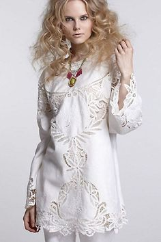 plain long sleeve or sleeve relaxed fit shift embellished with heavy lace or cutouts Trash To Couture, 2010s Fashion, Sewing Blouses, Lace Decor, Lace Outfit, Linens And Lace, Cutwork, Blouse Dress, Vintage Lace