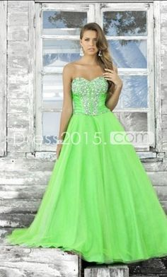 I'd love to wear this to prom.