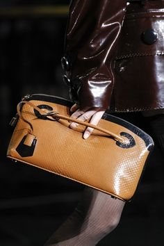 #bag #clutch #leather #neutral #smart #pretty