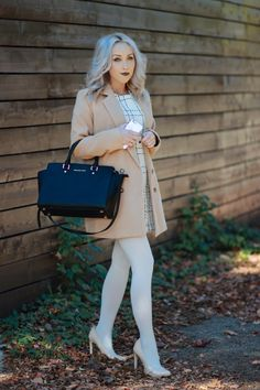 Style Advisor - BLONDIE IN THE CITY Colored Tights Outfit, White Tights, Pantyhose Outfits, Pantyhose Heels, Modern Outfits, Cute Outfits, Fashion Advisor, Photo Today, Style Snaps