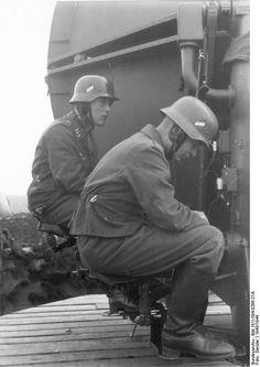 "Im Westen.- Radar, ""Würzburg""-Gerät; KBK Lw zb V Depicted place Im Westen Date 1943"