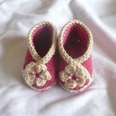 BABY Booties KNITTING PATTERN Baby Crossover Shoes by ceradka, $4,00