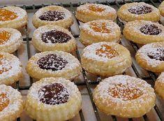 Kolachy Cookies, Galletas Cookies, Xmas Cookies, Thumbprint Cookies, Cheese Cookies Recipe, Cookies Et Biscuits, Tea Cakes, Kolachky Cookie Recipe, Köstliche Desserts