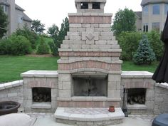 Outdoor Patios & Walkways for Beautiful How to Build An Outdoor Fireplace with Cinder Blocks Outside Fireplace, Outdoor Fireplace Designs, Fireplace Seating, Backyard Fireplace, Fireplace Outdoor, Fireplace Ideas, Cinder Block Fire Pit, Cinder Blocks, Fire Pit Seating