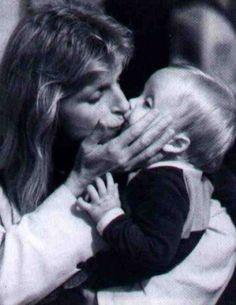 Linda Eastman-McCartney and James McCartney (1978)