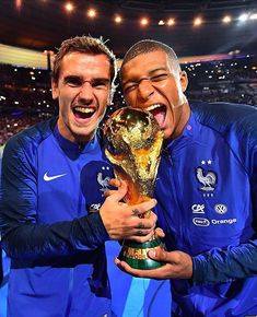 Plans to expand the 2022 World Cup from 32 teams to 48 are abandoned by football's world governing body Fifa. Football Boots, Football Soccer, Real Madrid, France World Cup 2018, Messi, Manchester United, Fair Trade Clothing, Paul Pogba, World Cup