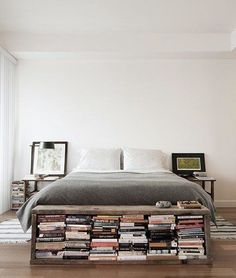 Insanely Innovative Ways to Store Books in Small Spaces We love this decorating idea: Try putting a small bookshelf bench at the end of your bed.We love this decorating idea: Try putting a small bookshelf bench at the end of your bed. Bookshelf Bench, Small Bookshelf, Book Storage Small Space, Bedroom Bookshelf, Bookshelf Ideas, Library Bedroom, Storage For Books, Book Shelf Bedroom, Bedroom With Bookshelves
