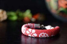 Bead crochet bracelet White Flowers  floral