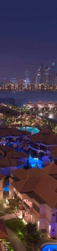 Anantara The Palm Dubai Resort at night