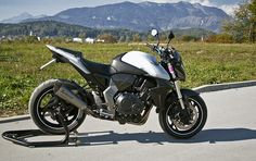 Honda CB1000R With Akrapovic Exhaust By Shoelace