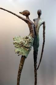 Umoja - Bronze sculpture by Netherlands artist Loes Knoben Sculpture Textile, Paper Mache Sculpture, Art Sculpture, Pottery Sculpture, Abstract Sculpture, Sculptures Sur Fil, Inspiration Art, Wire Art, Art Plastique