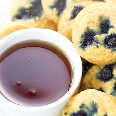 Keto Blueberry Pancake Bites, these fun little bite-sized pancakes are easy and family-friendly. Grain free and sugar-free. And made with coconut flour! Vegan Keto Diet, Low Carb Keto, Low Carb Recipes, Paleo, Diy Dessert, Keto Diet Vegetables, Ketogenic Diet Starting, Ketogenic Meals, Pancake Bites