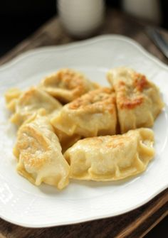 Dumplings with sauerkraut and meat (in Polish). Polish Recipes, Pie Recipes, Polish Food, Cottage Pie, Asian Recipes, Ethnic Recipes, Sauerkraut, Dumplings, Macaroni And Cheese