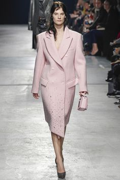 Christopher Kane Fall 2014 RTW - Review - Fashion Week - Runway, Fashion Shows and Collections - Vogue