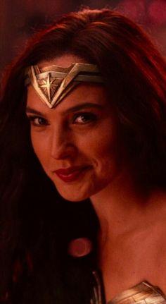 Wonder Woman Pictures, Wonder Woman Art, Gal Gadot Wonder Woman, Wonder Woman Movie, Wonder Woman Cosplay, Superman Wonder Woman, Wonder Woman Aesthetic, Gal Gardot, Wander Woman