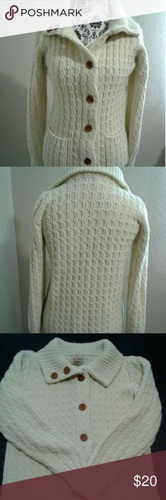 Long sleeve sweater Long-sleeve sweater with two front pockets Sweaters V-Necks
