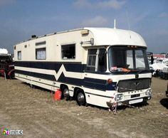 1966 Bedford with Duple front end and showman's living waggon grafted on to rear Camper Caravan, Camper Van, Vintage Caravans, Vintage Campers, Converted Bus, Rv Truck, Old Campers, Old Lorries, Bus Coach