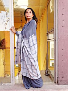 Chaukor- Grey silk Crepe with Tie and dyed Palla