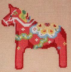 Dala horse http://sztukaoswojona.blogspot.com/2013/01/podkadka-z-konikiem-dala.html
