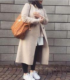How to style Adidas shoes with hijab – Just Trendy Girls Muslim Fashion, Hijab Fashion, Fashion Outfits, Fashion Trends, Women's Fashion, Winter Fashion, Casual Hijab Outfit, Hijab Chic, Chic Outfits