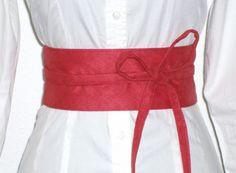 Taillengürtel Velours rot von lucylique - Mode und Accessoires made in Leipzig auf DaWanda.com