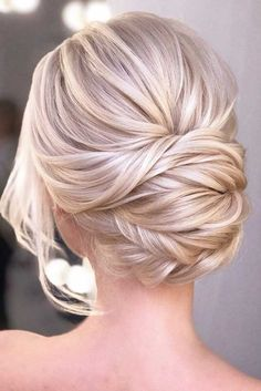 Blonde Updo Hairstyle Whether you prefer loose or vintage hairstyles find the elegant wedding u… - Lombn Sites Black Baby Hairstyles, Low Bun Hairstyles, Bride Hairstyles, Vintage Hairstyles, Bridesmaid Updo Hairstyles, Drawing Hairstyles, Korean Hairstyles, Gorgeous Hairstyles, Work Hairstyles