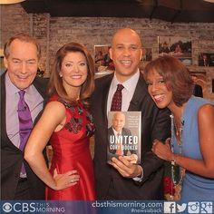 Senator @corybooker with the @cbsthismorning team at today's show.  Senator Booker's new book, UNITED, is on-sale this Tuesday! :flag_us: #bookstagram #cbsthismorning #corybooker #newjersey #NJ #politics #calltoaction #United