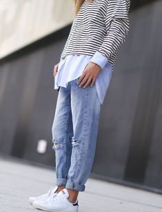 How To Wear Boyfriend Jeans With Sneakers Stan Smith 62 Ideas News Fashion, Look Fashion, Autumn Fashion, Womens Fashion, Fashion Trends, Travel Fashion, Trendy Fashion, Looks Chic, Looks Style
